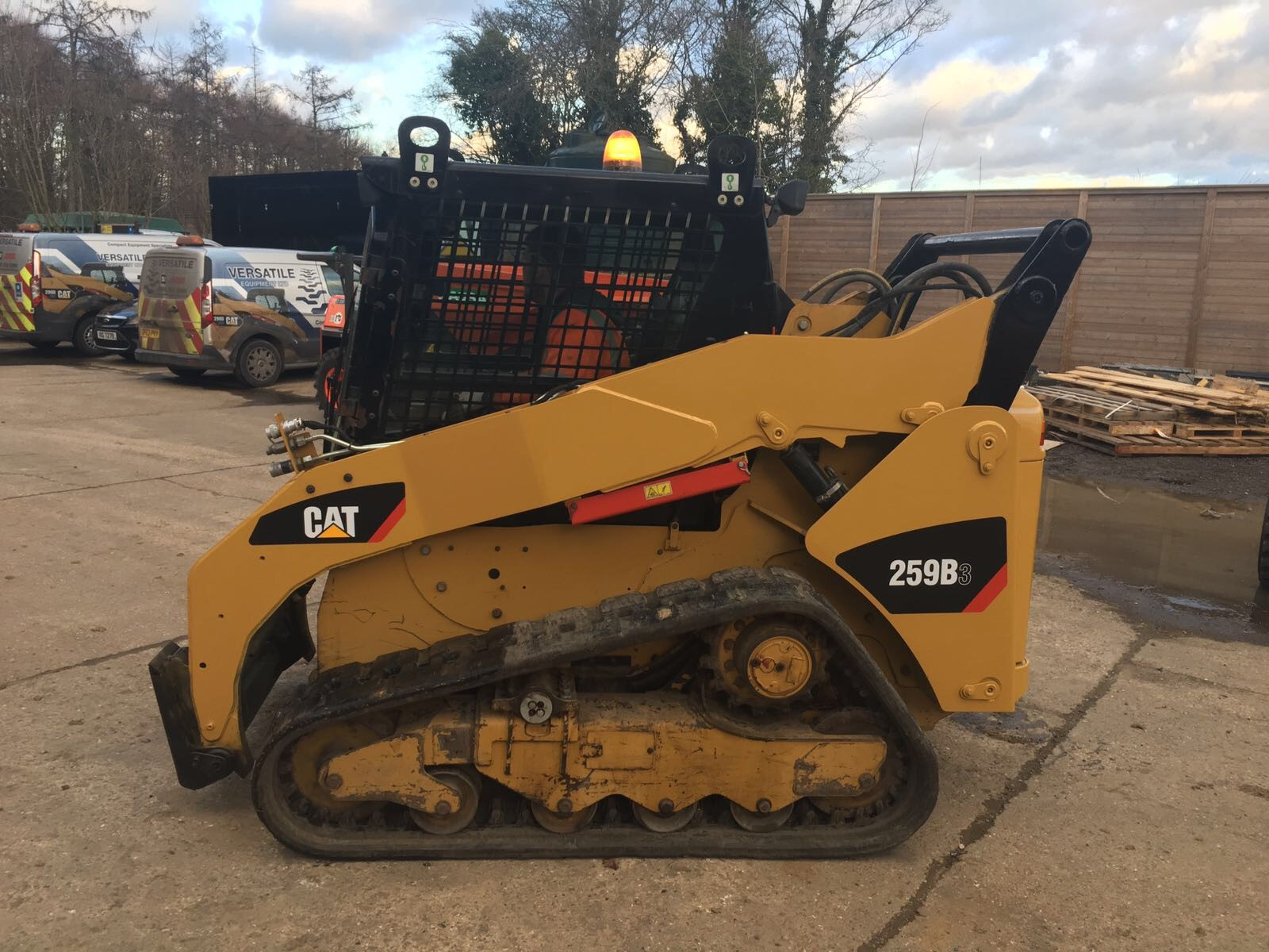 259 2 1 versatile equipment used cat 259b3 tracked loader for sale Cat 259B at fashall.co